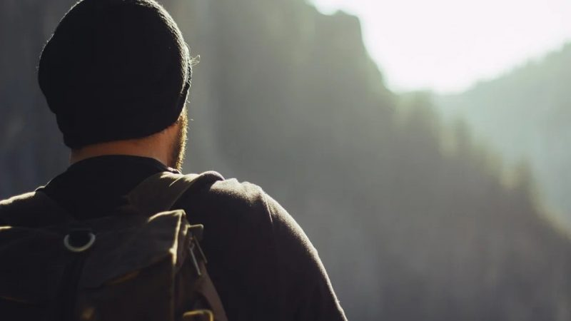 uomo escursione