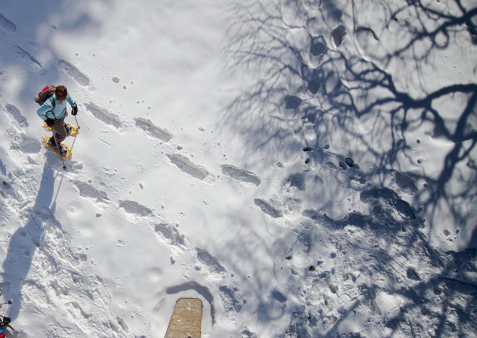 Come fare un'escursione sulla neve in sicurezza