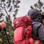 escursionista con zaino