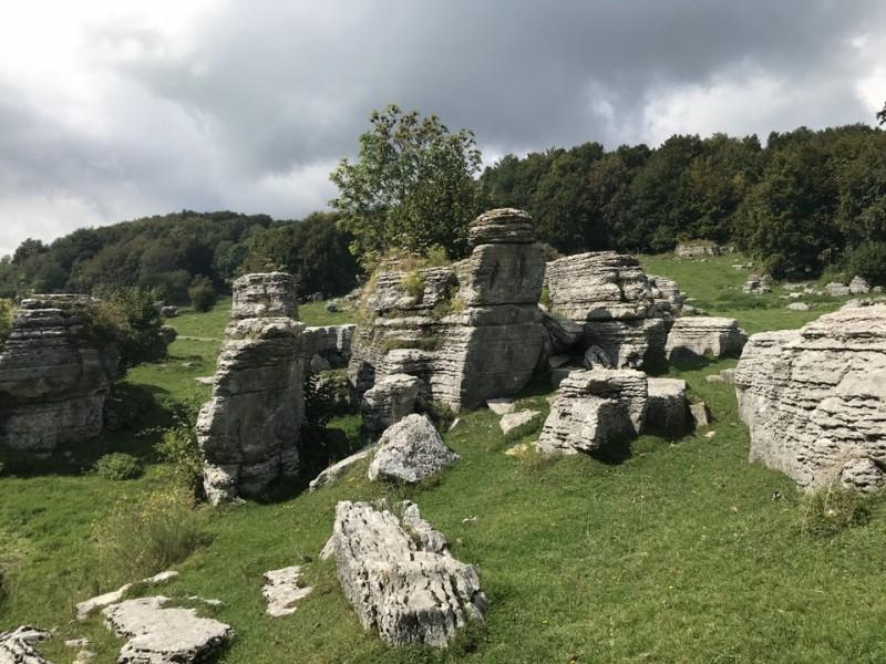 Valle delle Sfingi: alla scoperta della Lessinia tra storia e geologia