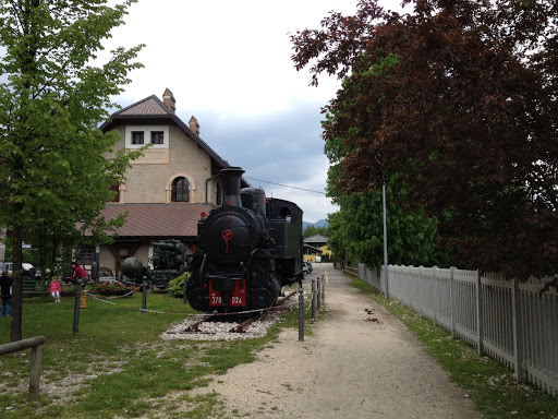 strada vecchio trenino