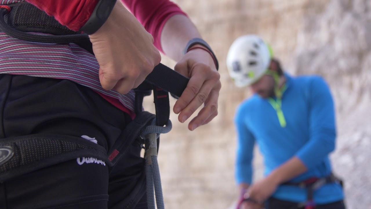 Migliori caschi da arrampicata: Classifica e recensioni