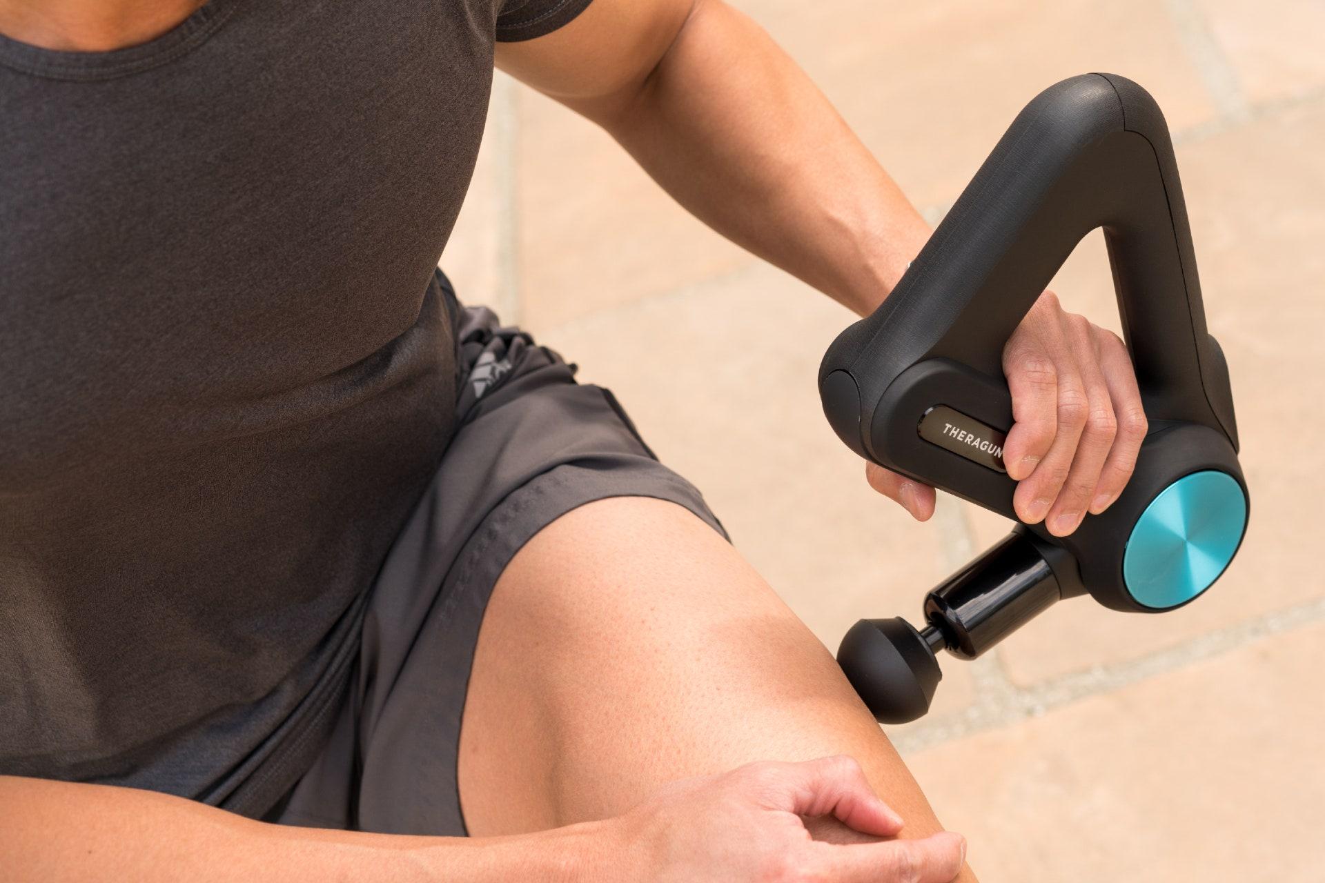 Pistola massaggiante Theragun per il recupero muscolare