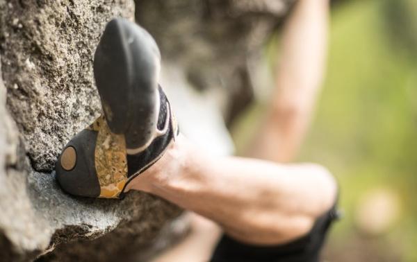 scarpette arrampicata cirvatura