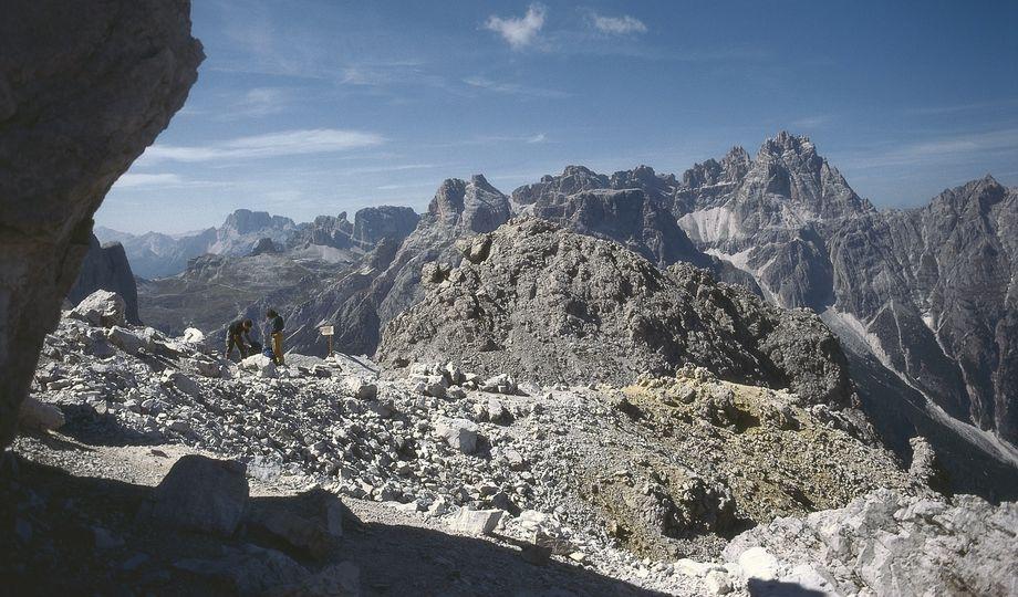 strada degli alpini dolomiti di sesto
