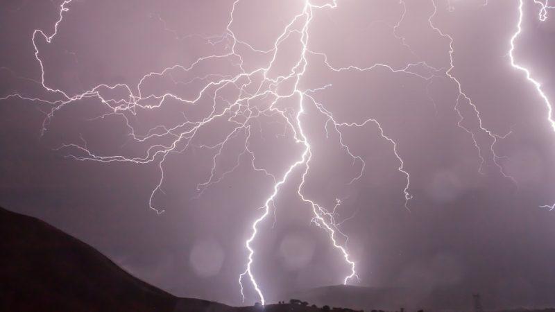 fulmine temporale in montagna